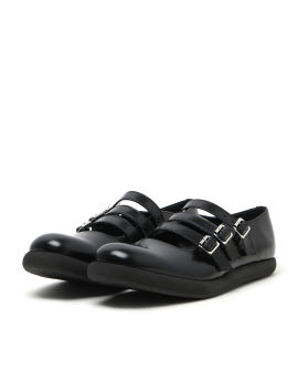 Triple strapped Mary Jane shoes