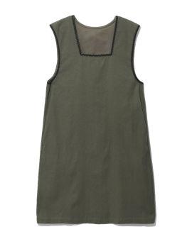 Cut-out back vest