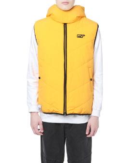 Moniker badge quilted vest