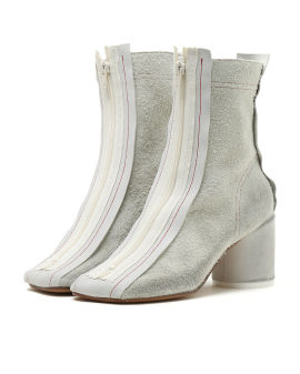 Reversed anatomic ankle boots
