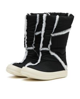 Puffer boots