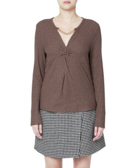 Link chain embellished top