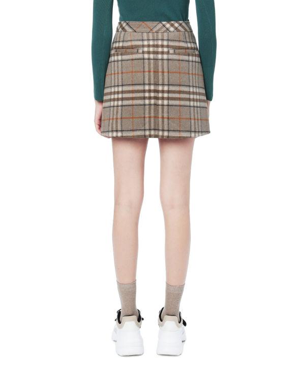 Plaid buttoned skirt