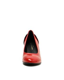 Textured heel pumps