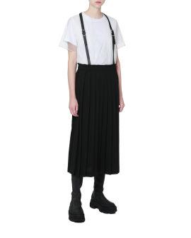 Buckled suspender pleated skirt