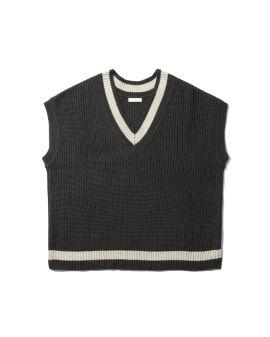 Knitted v-neck vest