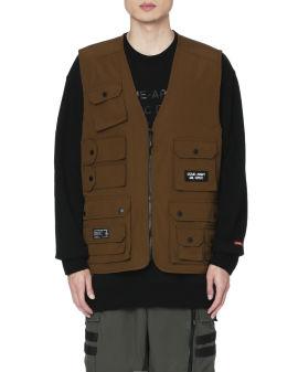 Multi pocket zipped vest