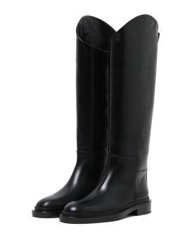 Asymmetrical boots
