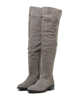 Low heel knee-high boots