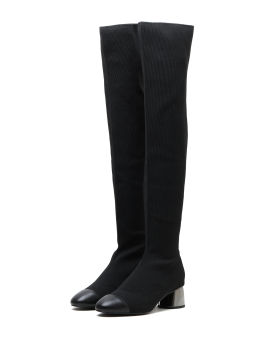 Contrast toe boots