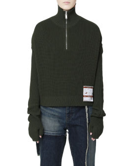 Attached sleeves turtleneck sweater