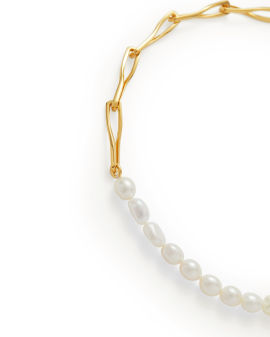 Gold piroutte pearl necklace