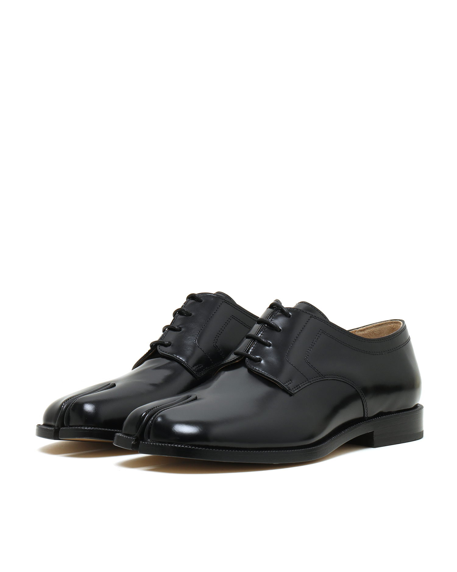 Lace-Up Tabi Shoes