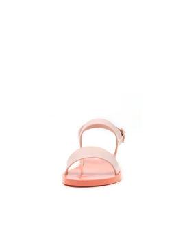 Lip sandals