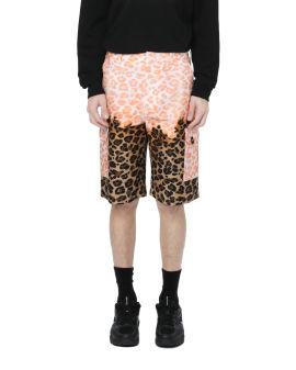 Contrast camo print shorts