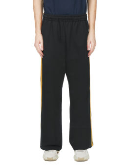 Side tape flared pants