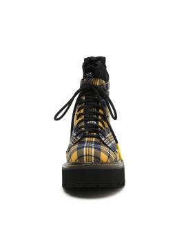 Lace-up platform boots