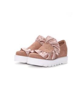 Ruffle-embellished platform shoes