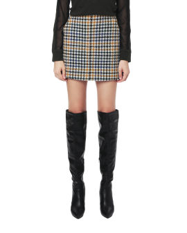 Houndstooth plaid skirt