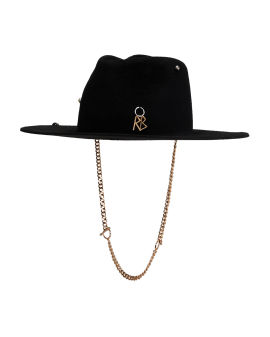 Chain strap hat