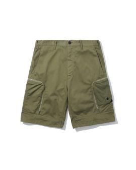 Zipped cargo shorts