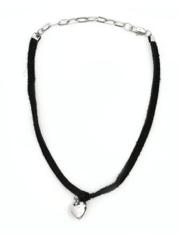 Metal heart pendant necklace