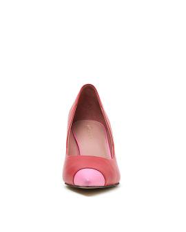 Contrast tip high heels